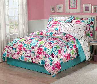 https://cf.ltkcdn.net/teens/images/slide/176448-800x689-CHF-Peace-Out-Bedroom.jpg