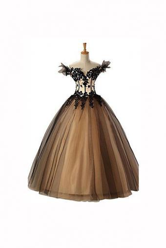 https://cf.ltkcdn.net/teens/images/slide/183016-567x847-Sunvary-Cap-Sleeves-Applique-Prom-Dress.jpg