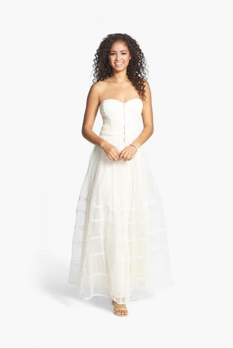 https://cf.ltkcdn.net/teens/images/slide/183020-567x847-Betsey-Johnson-Front-Zip-Strapless-Gown.jpg