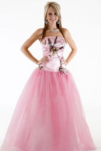 https://cf.ltkcdn.net/teens/images/slide/184344-533x800-Camo-Formal-3658GNFR-Ballgown-with-glitter-net.jpg