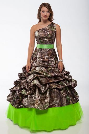 https://cf.ltkcdn.net/teens/images/slide/184347-533x800-Camo-Formal-9053-3066-2-piece-Cold-Shoulder-Gown.jpg