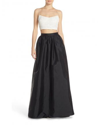 https://cf.ltkcdn.net/teens/images/slide/193383-647x850-adrianna-papell-embellished-taffeta-dress.jpg