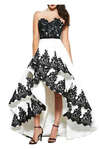 https://cf.ltkcdn.net/teens/images/slide/215065-567x850-sweetheart-neckline-dress.jpg