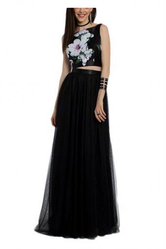 https://cf.ltkcdn.net/teens/images/slide/215107-567x850-floral-black-and-white-gown.jpg