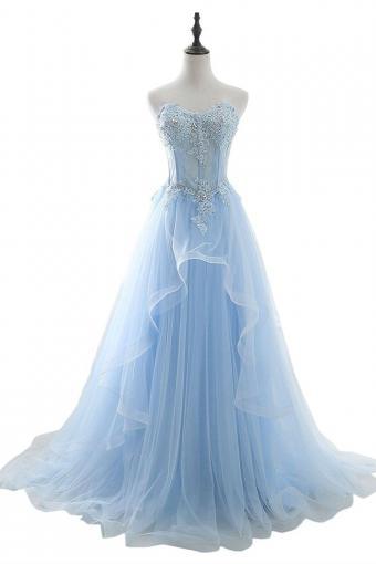 https://cf.ltkcdn.net/teens/images/slide/215740-567x850-fairy-gown.jpg