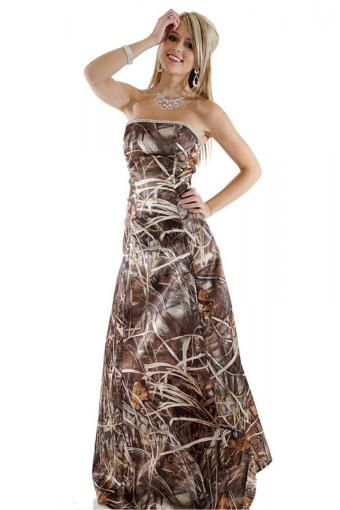 https://cf.ltkcdn.net/teens/images/slide/221406-567x850-realtree-camo-a-line-dress-with-rhinestone-trim.jpg