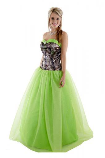 https://cf.ltkcdn.net/teens/images/slide/221408-567x850-realtree-camo-ballgown-with-colored-glitter-net.jpg