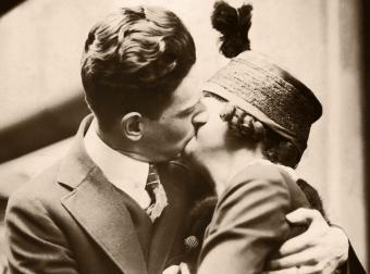 Couple Kissing / CIRCA 1920'S