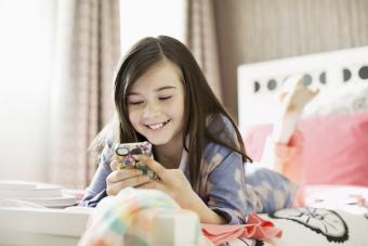 5 Fun Teenage Chat Rooms for Flirting