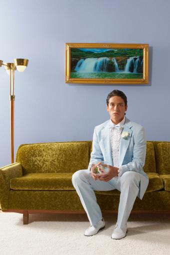 https://cf.ltkcdn.net/teens/images/slide/233138-567x850-13-prom-suit-ideas.jpg