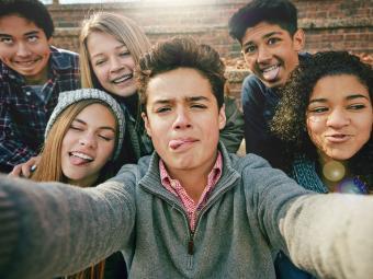 https://cf.ltkcdn.net/teens/images/slide/241650-850x638-11-poems-about-being-teenager.jpg
