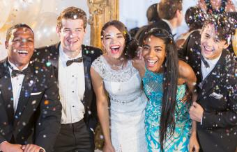 Prom Event Supplies and Buying Tips