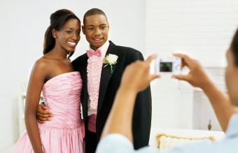 Flattering Prom Picture Poses to Try