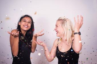 https://cf.ltkcdn.net/teens/images/slide/242259-850x567-girls-dancing-with-confetti.jpg