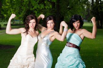 https://cf.ltkcdn.net/teens/images/slide/242878-850x567-girls-showing-muscles-portrait.jpg