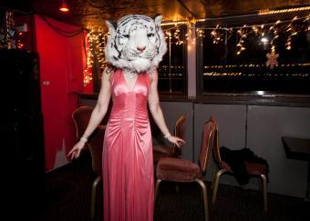 https://cf.ltkcdn.net/teens/images/slide/242882-850x607-prom-dress-and-tiger-mask.jpg