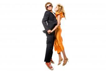 https://cf.ltkcdn.net/teens/images/slide/242884-850x566-couple-jumping-in-air.jpg