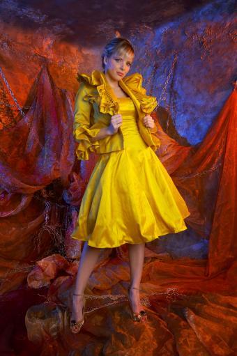 https://cf.ltkcdn.net/teens/images/slide/243176-565x850-matching-dress-and-jacket.jpg