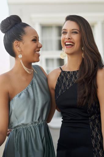 https://cf.ltkcdn.net/teens/images/slide/245787-566x850-two-girls-excited-for-prom.jpg