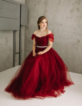 https://cf.ltkcdn.net/teens/images/slide/245978-850x1093-3-options-homecoming-dresses.jpg