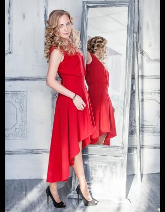 https://cf.ltkcdn.net/teens/images/slide/245985-850x1093-10-options-homecoming-dresses.jpg