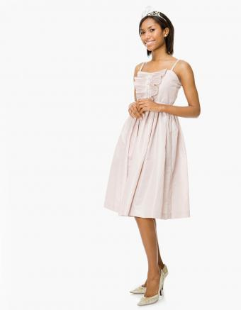 https://cf.ltkcdn.net/teens/images/slide/245987-850x1093-13-options-homecoming-dresses.jpg