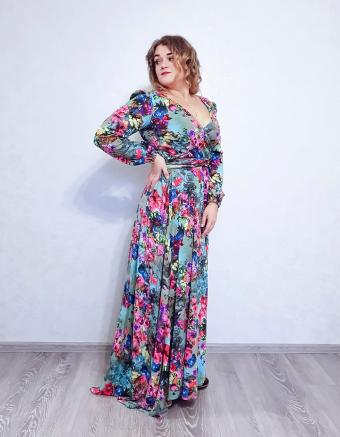 https://cf.ltkcdn.net/teens/images/slide/245993-850x1093-11-options-homecoming-dresses.jpg