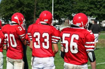 How High School Football Players Can Get Recruited
