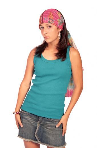 https://cf.ltkcdn.net/teens/images/slide/91532-561x850-mini-skirt-gallery-1.jpg