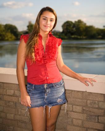https://cf.ltkcdn.net/teens/images/slide/91538-620x774-mini-skirt-gallery-6.jpg