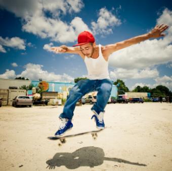 https://cf.ltkcdn.net/teens/images/slide/91542-347x346-Skateboarder.jpg