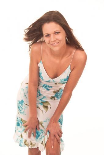 https://cf.ltkcdn.net/teens/images/slide/91551-567x847-blue-floral-on-white.jpg