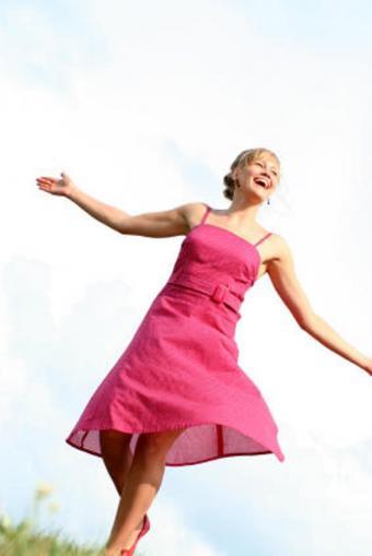 https://cf.ltkcdn.net/teens/images/slide/91724-566x848-pinkdress.jpg