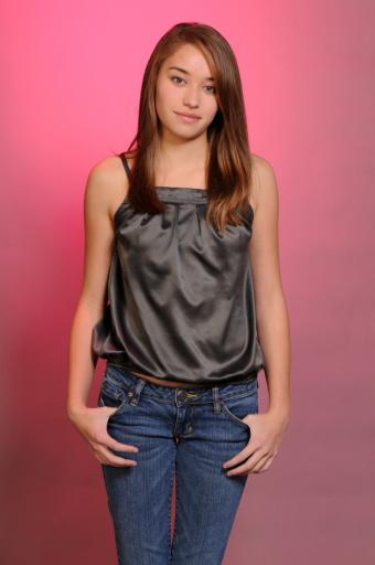 https://cf.ltkcdn.net/teens/images/slide/93774-565x850r1-petite-teens-jeans.jpg