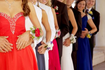 Teenagers ready for prom in a line