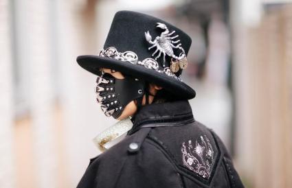 woman in goth fashion