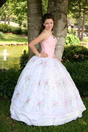 Make a beautiful gown for prom!