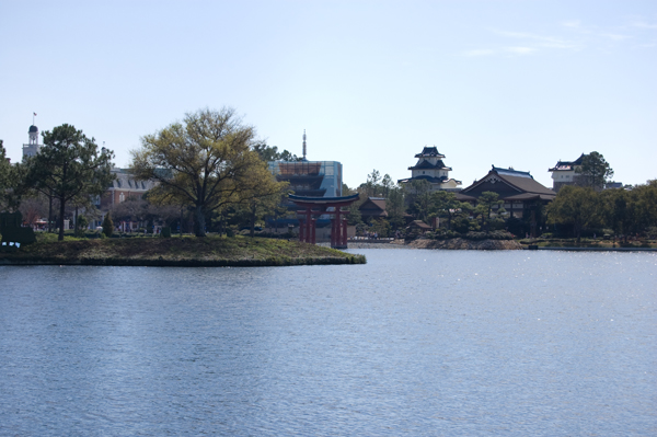 world_showcase_lake.jpg