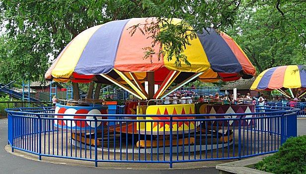 https://cf.ltkcdn.net/themeparks/images/slide/122723-616x350-parkride5.jpg