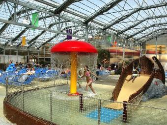 https://cf.ltkcdn.net/themeparks/images/slide/122735-531x400-indoorslide8.jpg