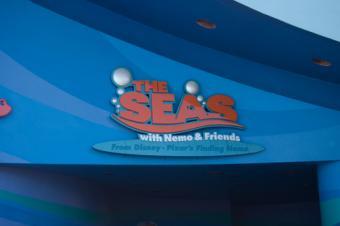 https://cf.ltkcdn.net/themeparks/images/slide/122810-500x332-the_seas_epcot.jpg