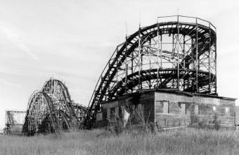 https://cf.ltkcdn.net/themeparks/images/slide/142998-850x549r1-vintage-coaster.jpg
