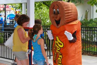 Hersheypark Character Fun