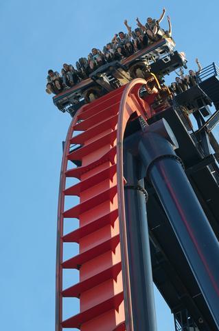 SheiKra coaster at Busch Gardens Tampa; © Steve Kingsman | Dreamstime.com