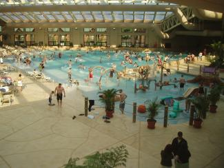 Wild Water Dome Wilderness Hotel & Golf Resort in Wisconsin Dells