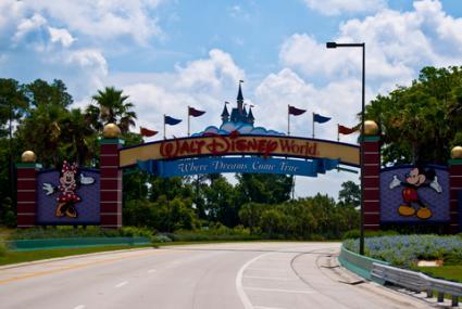 Entrance to Walt Disney World in Orlando, Florida; © Mike Ricci | Dreamstime.com