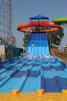 Soak City Cedar Rapids Dragster H2O