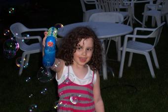 Child playing with SMB Premium Plus Laser Blaster