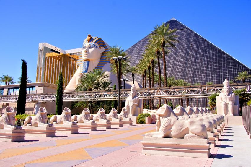 Luxor Hotel In Las Vegas Lovetoknow