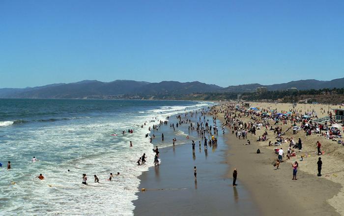 https://cf.ltkcdn.net/travel/images/slide/169787-700x440-Santa-Monica-Beach-LA-TS-sm.jpg